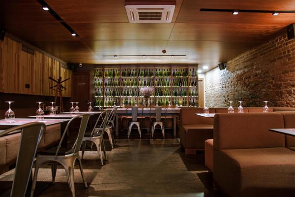 Зал первого этажа ресторанной зоны «Арки»
