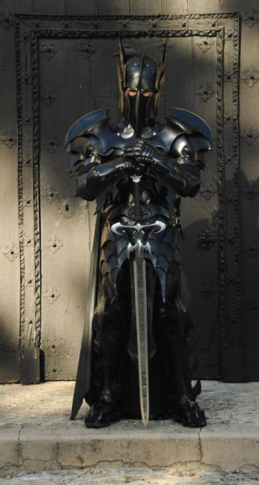 Бэтмен - темный рыцарь.