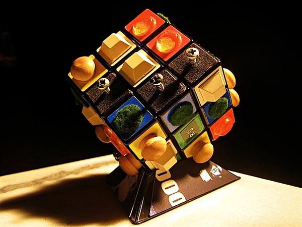 Кубик Рубика для незрячих людей