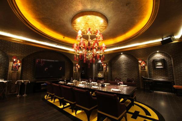 Мебель и детали интерьера Buddha-Bar созданы мастерами ProninCraft