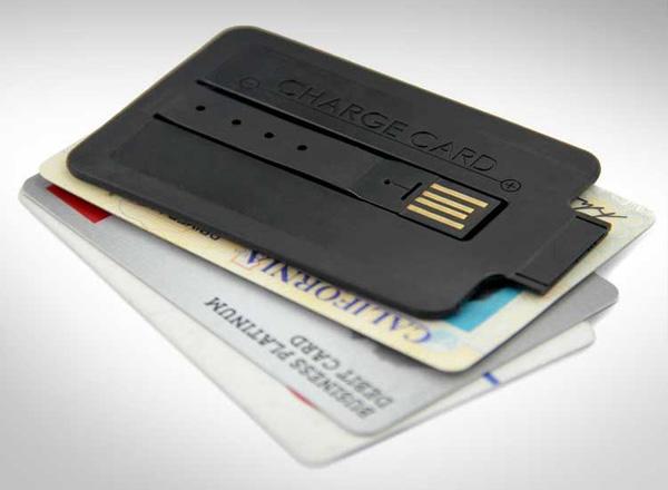 Универсальное зарядное устройство для телефонов и смартфонов в форме банковской карты