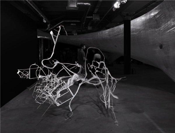 Кинетические скульптуры Дмитрия Каварги «Неопознанные оживающие объекты»