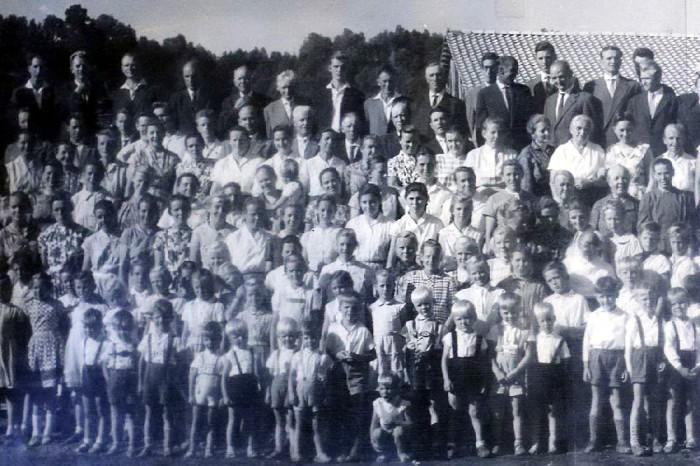 Коллективный снимок жителей Колонии Дигнидад