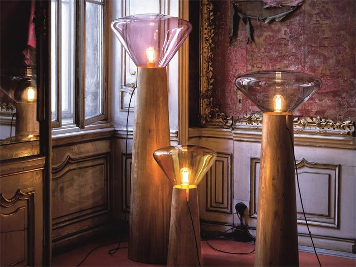 Уникальный светильник в классическом стиле с примесью стимпанка.