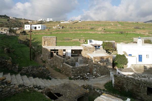 Каменный дом в Тиносе (House in Tinos) от mX Architecture.