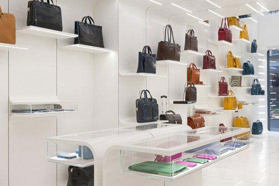 PIQUADRO открыл первый бутик в  Париже при участии Karim Azzabi