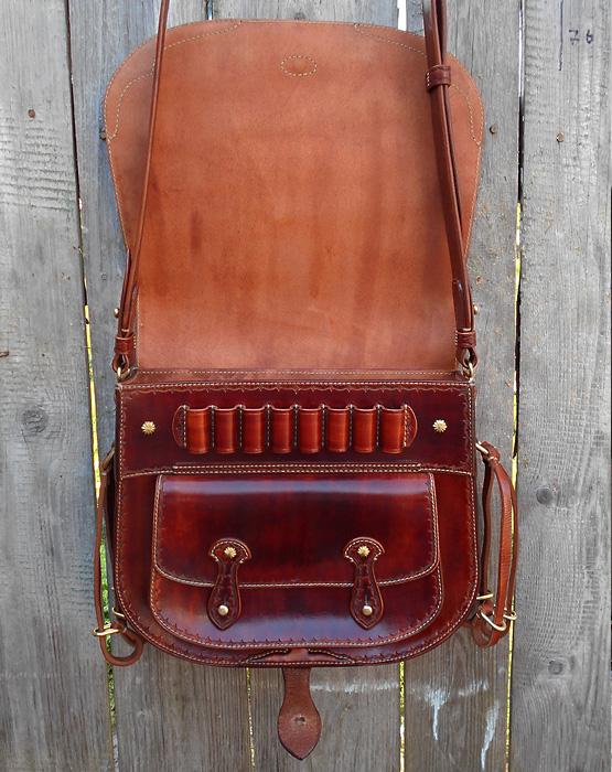 Эксклюзивная Охотничья сумка(ягдташ) Labour. Кожа растительного дубления, тиснение, окраска вручную, оригинальная латунная фурнитура.