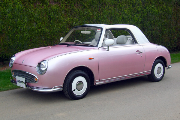 Женский вариант Nissan Figaro