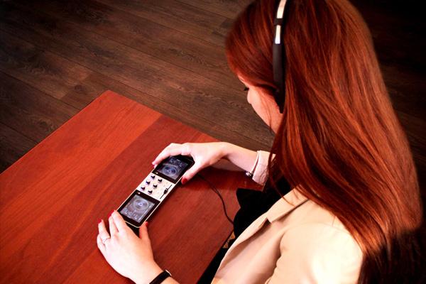 PDJ дает возможность обрабатывать треки в наушниках.