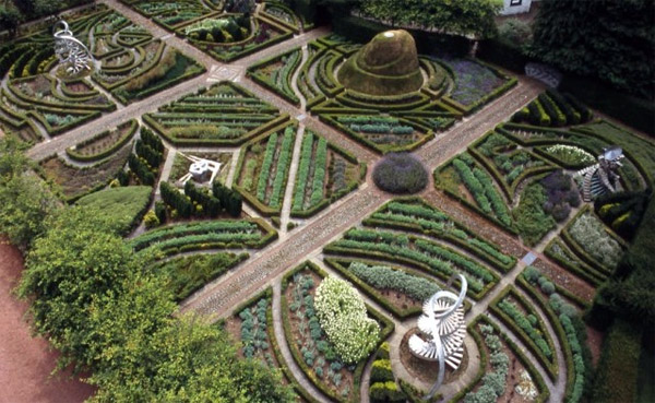Постмодернистские экологичные ландшафты от Charles Jencks