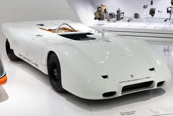 16 Cylinder Porsche 917.