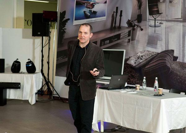Креативный директор компании Philips - Род Уайт