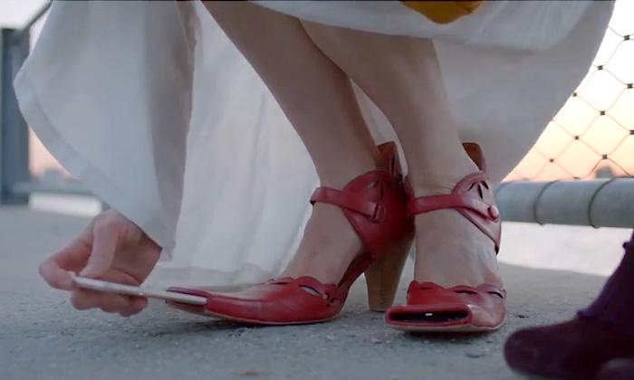 Туфли «Selfie Shoes» позволяют делать продвинутые селфи с помощью ноги