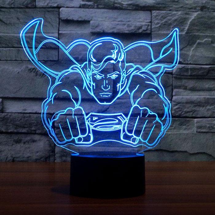3D-светильник с супергероем.
