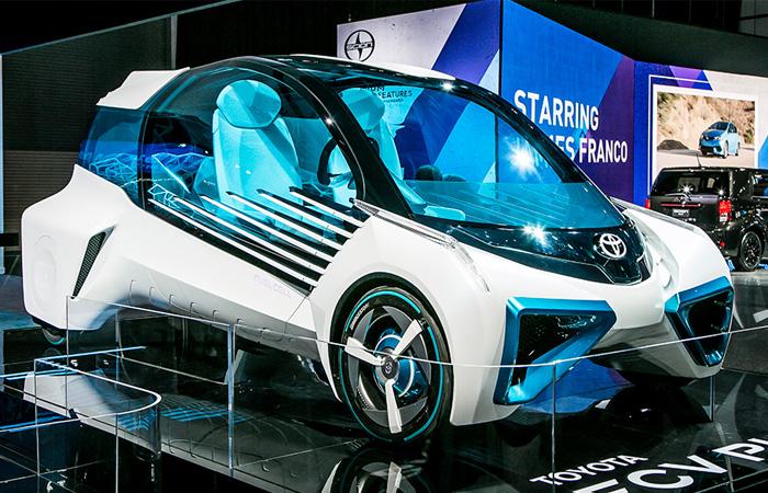 Футуристический водородный автомобиль Toyota, который должен убить нефть.