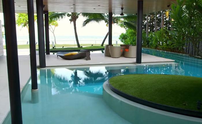 Шикарный особняк в Сингапуре с видом на океан.