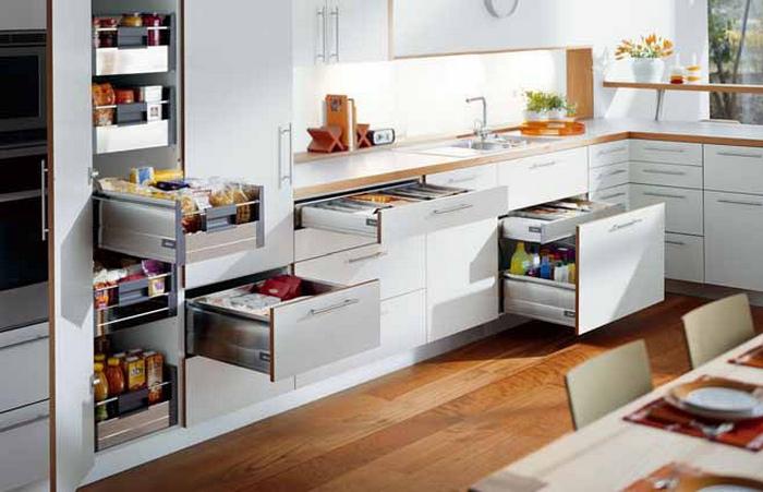 Кухонная мебель под заказ: главное - не переусердствовать.