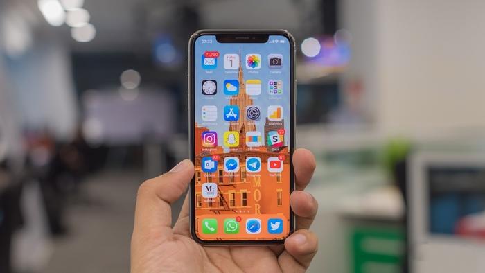 Apple iPhone X - одна из лучших моделей «десятки» iPhone X.