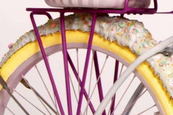 ... И даже колёса из сладостей