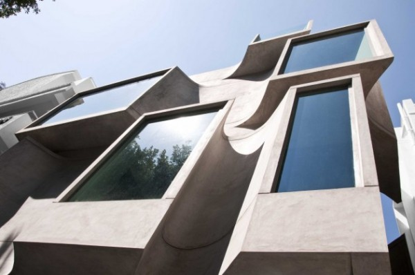 Фасад здания Shipara Office Building в Индии