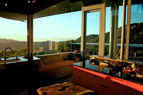 Malibu Home: дом, построенный из частей самолета Boeing 747-200