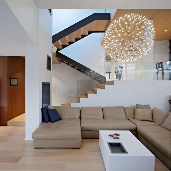 A+A House:современный дом с неправильной геометрией от DVA Arhitekta