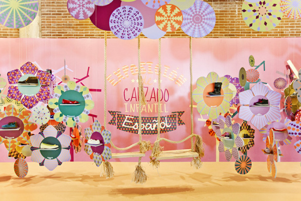 A Stand – «детский мир» от испанских дизайнеров