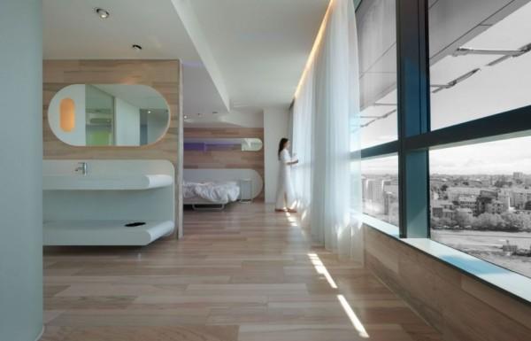 Футуристические интерьеры отеля B4 Hotel в Милане
