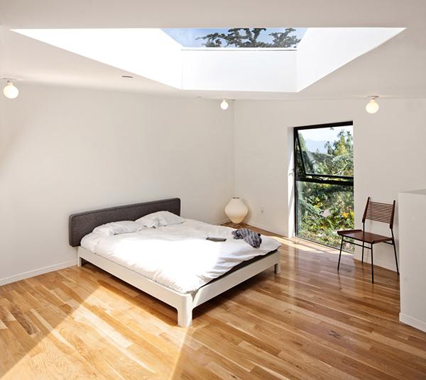 Big and Small House – «воздушный» дом над дорогой в Лос-Анджелесе