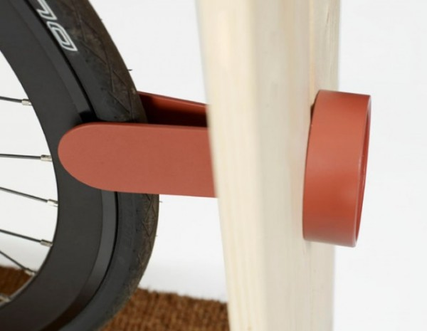 Велосипедный стеллаж для небольшой квартиры