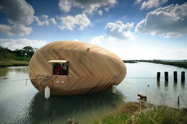 Exbury Egg – плавающая яйцеобразная мини-лаборатория от британских архитекторов