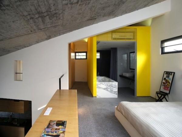 Gallery Style Tapered House: длинный ассиметричный дом в Китае