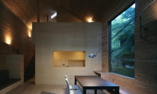 Omizubata N House - бетонный летний дом от японских архитекторов