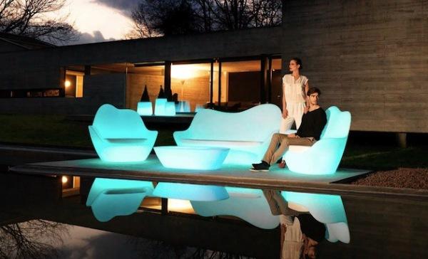 Sabinas: светящаяся уличная мебель от Vondom