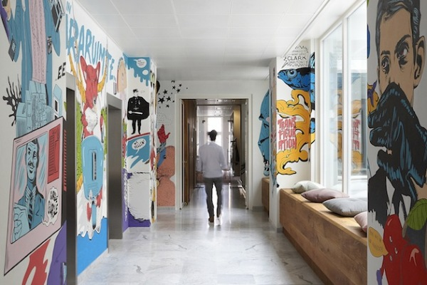 Креативная штаб-квартира Pop Art Style Ad Agency в Амстердаме