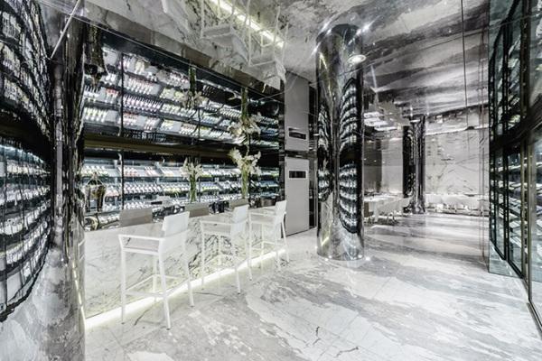 Зеркальный ресторан Maison Blanche в Касабланке