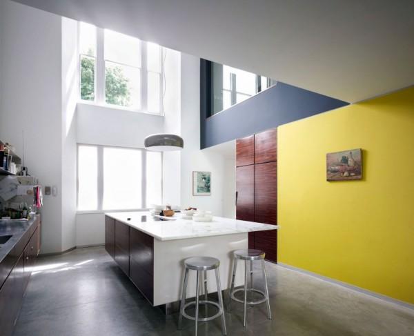 Авангардное расширение традиционного английского дома Lens House