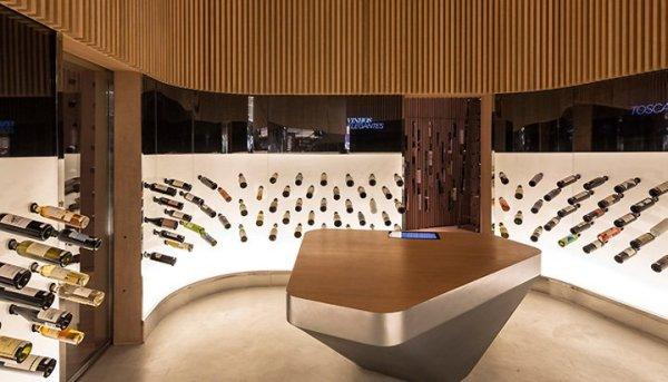 Футуристический винный бутик Mistral Wine and Champagne Bar