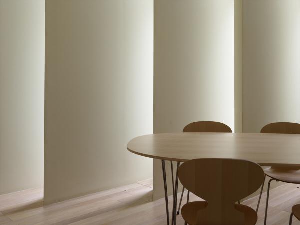 House in muko – жилой дом света и тени от Fujiwaramuro architects