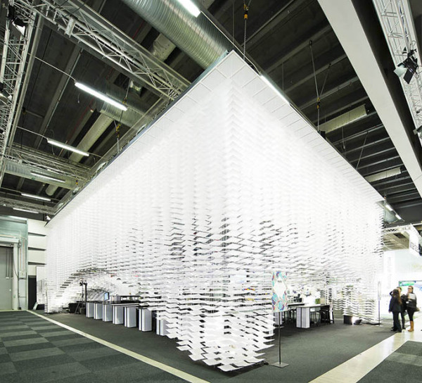 Paper Display – павильон из 700 000 листов бумаги в Стокгольме