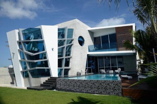 Casa Gomez: авангардная архитектура виллы от SO Studio