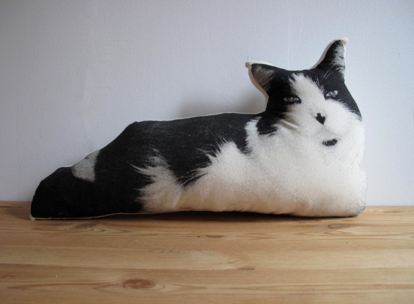 Анималистичныедиванные подушки от Шеннон Бродер (Shannon Broder)