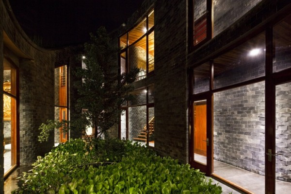 Stone House – жилой дом от Vo Trong Nghia Architects