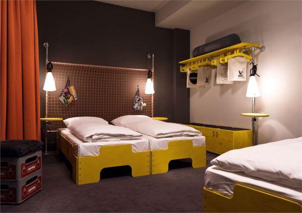 Яркий эклектичный дизайн отеля-хостела Superbude St Pauli в Гамбурге