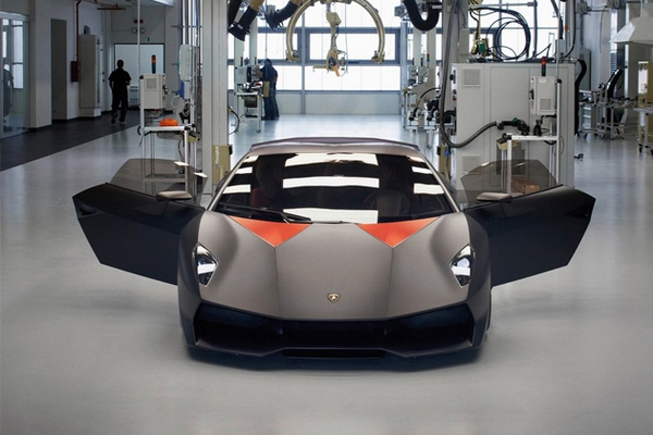 Lamborghini Sesto Elemento: итальянский стритфайтер