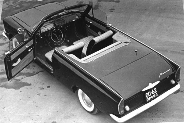 Интерьер кабриолета такой же, как и в серийном 408м