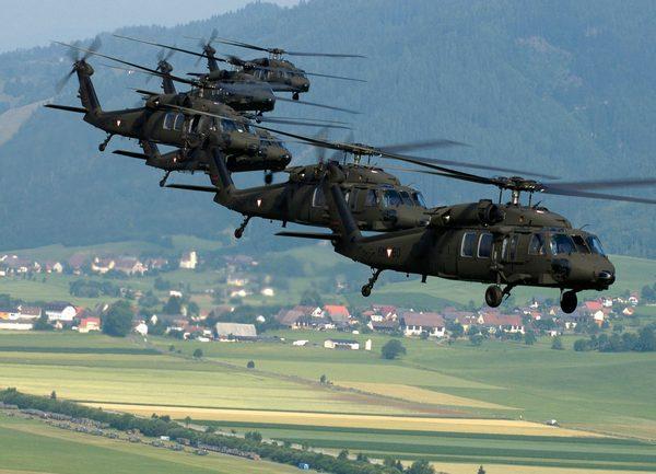 Sikorsky UH-60 - вертолёт века.