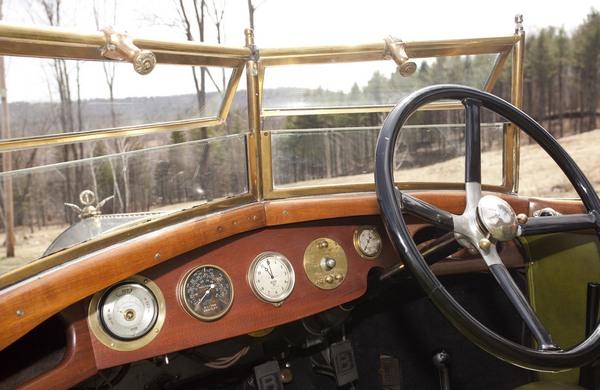 Приборная панель Bentley 3L (1921 г.) Фото: extravaganzi.com