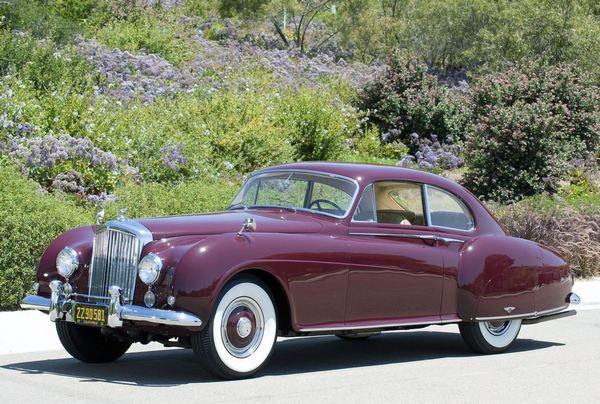Bentley Continental R - фаворит Лондонского автосалона 1952 года. Фото: bibipedia.info