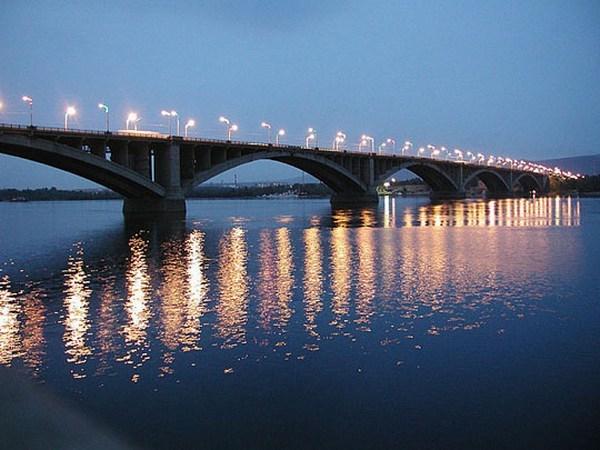 Красноярский коммунальный мост.